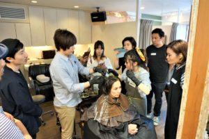 岐阜市の月と風で美容師さんのヘナ講習会の画像